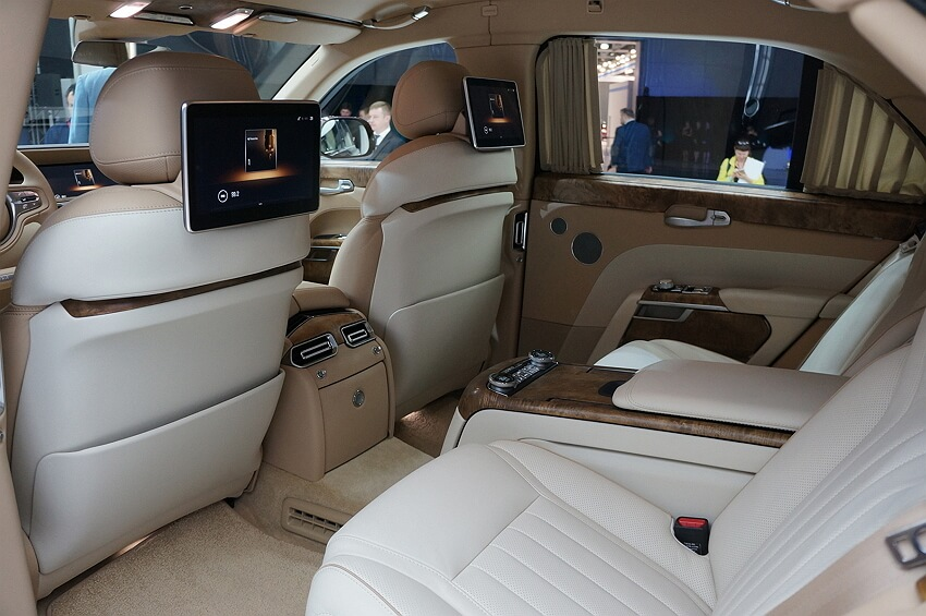 Аурус автомобиль фото джип